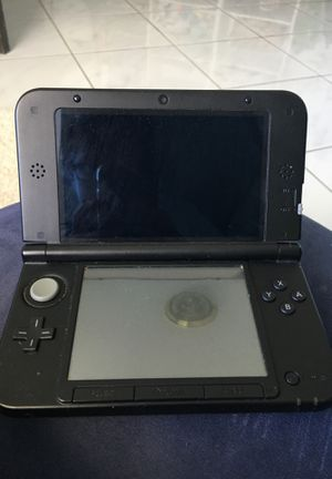 Nintendo 3ds XL no charger with it used for Sale in Miami Beach, FL