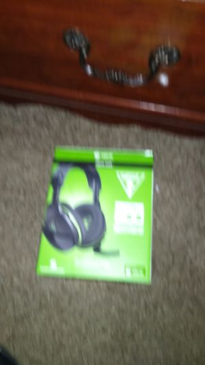 Xbox one headset for Sale in Elyria, OH