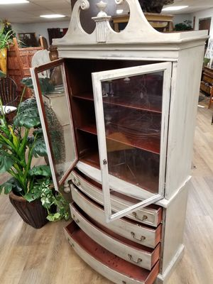 Vintage 4-drawer China cabinet for Sale in North Little Rock, AR