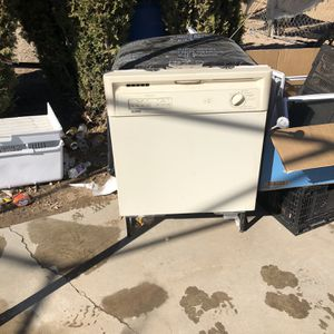 Dishwasher for Sale in Hesperia, CA
