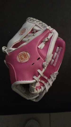 New Girl RTP baseball/T-Ball glove for Sale in Oakland Park, FL