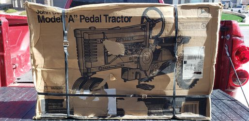 New In Box John Deere Pedal Tractor 21 Years Old Ertl Metal Tractor for Sale in El Paso,  TX