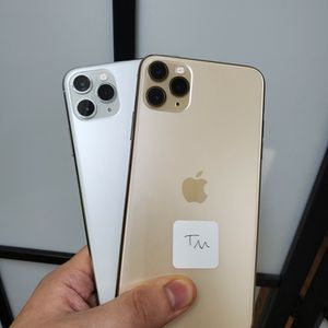 IPHONE 11 PRO MAX 64GB FOR TMOBILE AND METRO OR AT&T AND CRICKET for Sale in Garland, TX