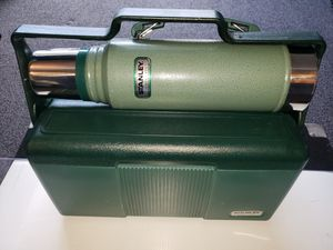 STANLEY 7 QUART HERITAGE COOLER WITH CLASSIC 1.1 QUART VACUUM BOTTLES for Sale in Chesapeake, VA