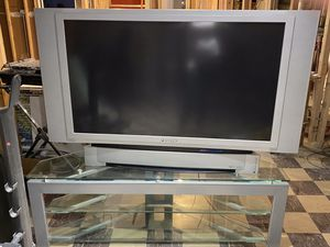 """Panasonic 48"""" HD-TV (glass stand included) for Sale in Chicago, IL"""