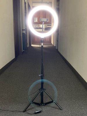 New in box 10 inches Ring LED Light Warm and Cold 3000 to 6500K USB with Adjustable Tripod and Controller Video Maker Phone or Camera Holder Included for Sale in Los Angeles, CA