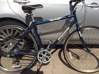 """GIANT OPTION 700 BIKE FRAME 19.5"""" IN GREAT CONDITION for Sale in Glendale,  AZ"""