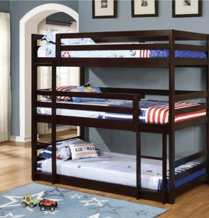 Triple Bunk Bed for Sale in Carson, CA