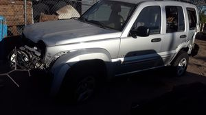 02 Jeep liverty for parts for Sale in Adelanto, CA