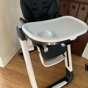 Peg Perego Siesta High Chair - Licorice for Sale in Seattle, WA