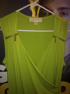Michael Kors Dress Size 6 , lime green color for Sale in Lewis Center, OH