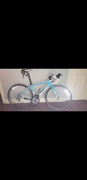Giant defy road bike for Sale in Kissimmee, FL