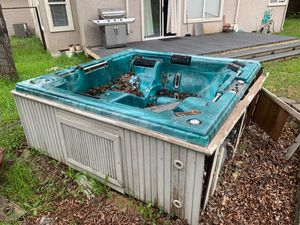 Free Hot Tub for Sale in Antioch, CA