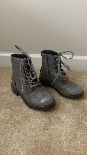 Girls Grey Boots for Sale in Covington, GA