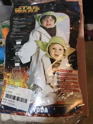 Infant yoda costume for Sale in Naugatuck, CT