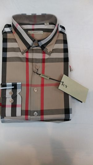 Burberry long sleeve button down men's shirt for Sale in Paterson, NJ