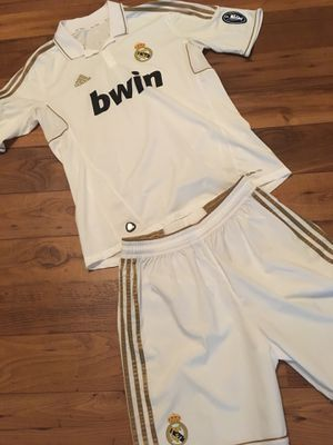 Soccer Jersey and shorts Real Madrid for Sale in Houston, TX