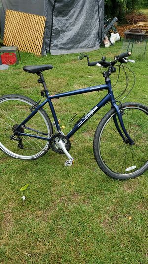 Road mountain bike for Sale in Reynoldsburg, OH