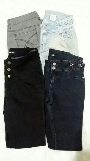 Bundle of 4 jeans for Sale in Ontario, CA