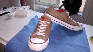 Converse size 7.5 women size 5.5 men for Sale in San Lorenzo, CA