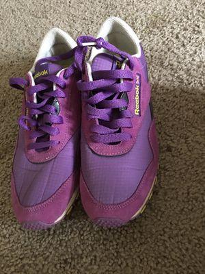 Adidas women shoe bee for Sale in Ellicott City, MD