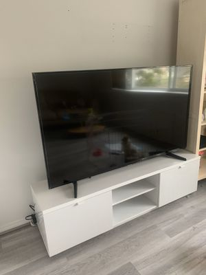 65 inches Samsung smart tv for Sale in Seattle, WA