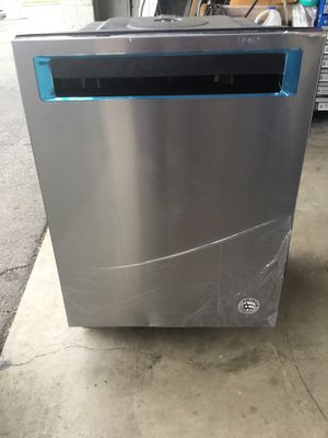 """New dishwasher kitchen aid stainless steel w 24"""" for Sale in La Puente, CA"""
