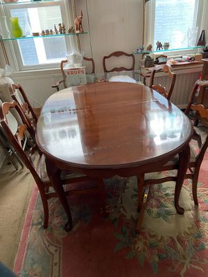 Dining table w chairs for Sale in Washington, DC