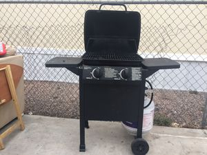 Propane gas grill for Sale in Fort McDowell, AZ