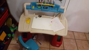 Kid step 2 desk for Sale in City of Industry, CA