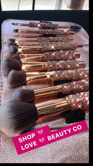 makeup brushes for Sale in Bassett, CA