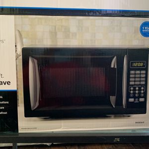 Mainstays Microwave for Sale in Fort Washington, MD