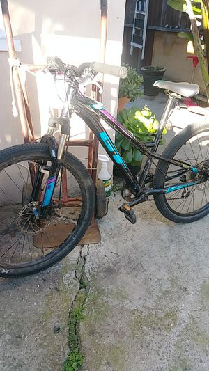 buena bicicleta de cambios for Sale in Torrance, CA