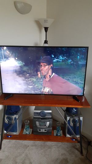 Samsung smart TV 50 inches 2 month for Sale in Alexandria, VA