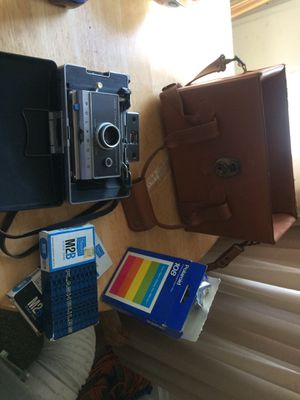 Land camera automatic 100 POLAROID for Sale in Cleveland Heights, OH