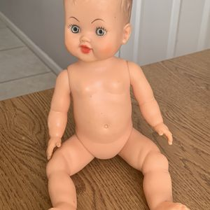 "Vintage 1950-60's Vinyl Baby Doll Drink & Pee Doll Molded Hair Beautiful Eyes11"" for Sale in Phoenix, AZ"