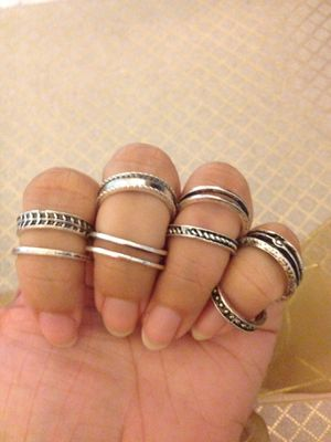 New fashion jewelry vintage toe rings for Sale in Perris, CA