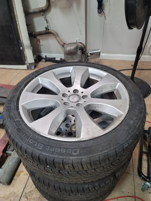3.... 20 inch rims w tires 2011 glk 350 for Sale in Oakland Park, FL