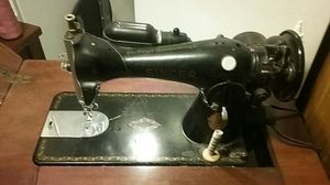 Singer sewing machine for Sale in Covina, CA