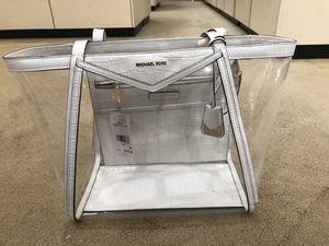 Michael kors bag for Sale in Bridgeport, CT