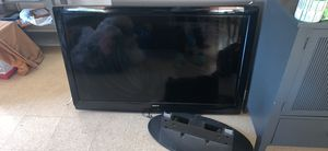 50 inch tv with stand and remote for Sale in Bridgeport, CT