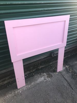 Toddler headboard for Sale in Balch Springs, TX