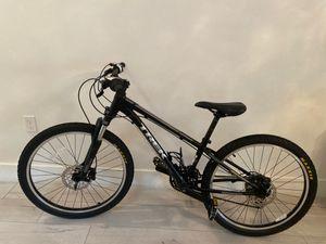 "Black trek mountain bike size 24"" for Sale in Miami, FL"