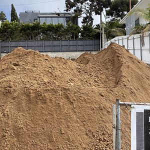free clean dirt and delivery !! 10 yards minimum for Sale in Anaheim, CA