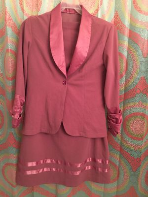 Women's pink suit for Sale in Centreville, VA
