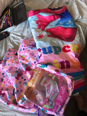 Trolls Bed Spread for Toddler bed for Sale in Chula Vista, CA