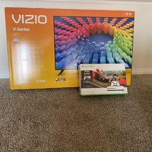 Tv Vizio Y Xbox One for Sale in Orem, UT