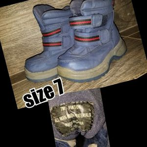 Toddler size 7 snow boots for Sale in Riverside, CA