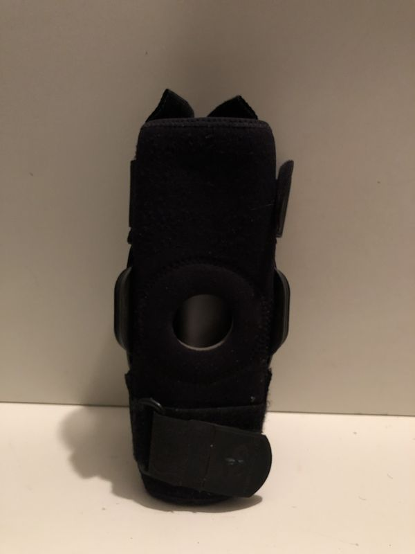 McDavid Football Player Knee Brace