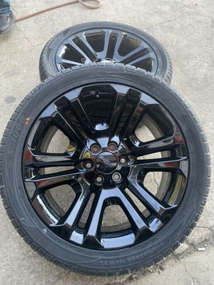"""New 22"""" Chevy / GMC Factory Rims And New TireS 6 Lug Wheels 📞CALL(2I4)742-O77O 🔥Easy Financing Available w/ No Credit Check! Low payments for 12months for Sale in Dallas, TX"""